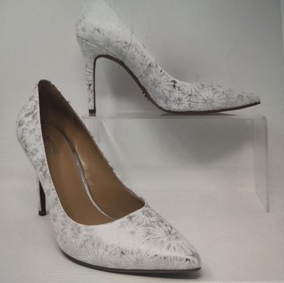Michael Kors Silver & White Metallic Shoes, Sz 7